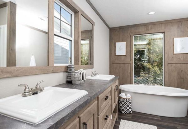 Clayton Isabella - Mobile Home - Master Bathroom