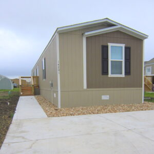 New Move in ready Clayton Mobile Home